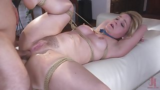 Obedient milf butt fucked in brutal modes while naked and slutty