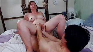 Homemade porn turns into mom KO after 2 orgasms (free)