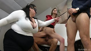 BBW shares the dicks with the anorectic whore helter-skelter office orgy